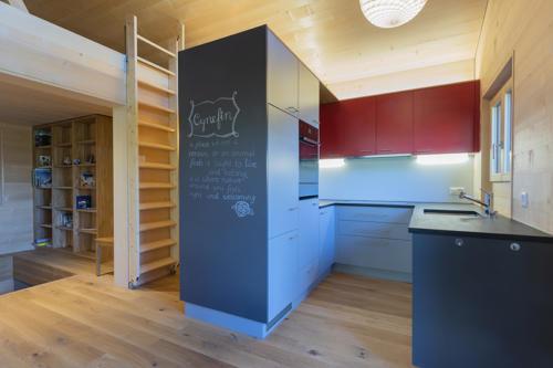 Umbau Ferienchalet in Bellwald moderne Küche einbauen