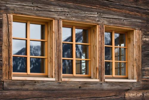Fenster in Lärche Oberwallis