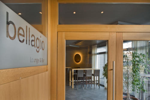 Neubau Restaurant Bar Bellaggio Eingangstüre