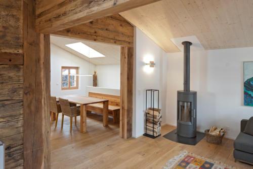 Umbau historisches Walliser Haus in Bellwald Schwedenofen