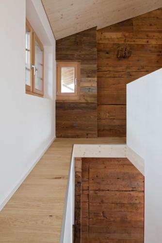 Umbau historisches Walliser Haus in Bellwald Treppenhaus