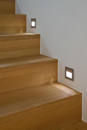 Umbau Wohnung in Fürgangen Detail Holztreppe